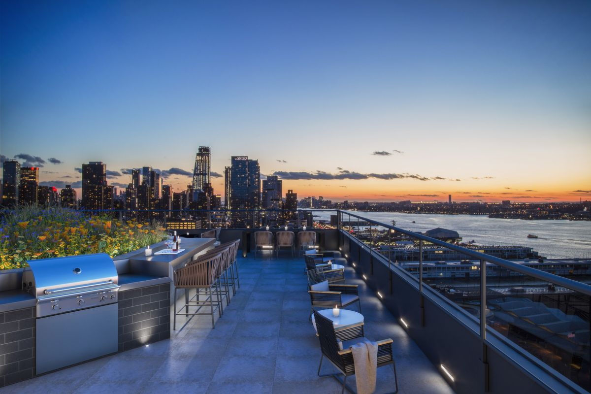 Tf Cornerstone S Enormous Hell S Kitchen Rental Gears Up For