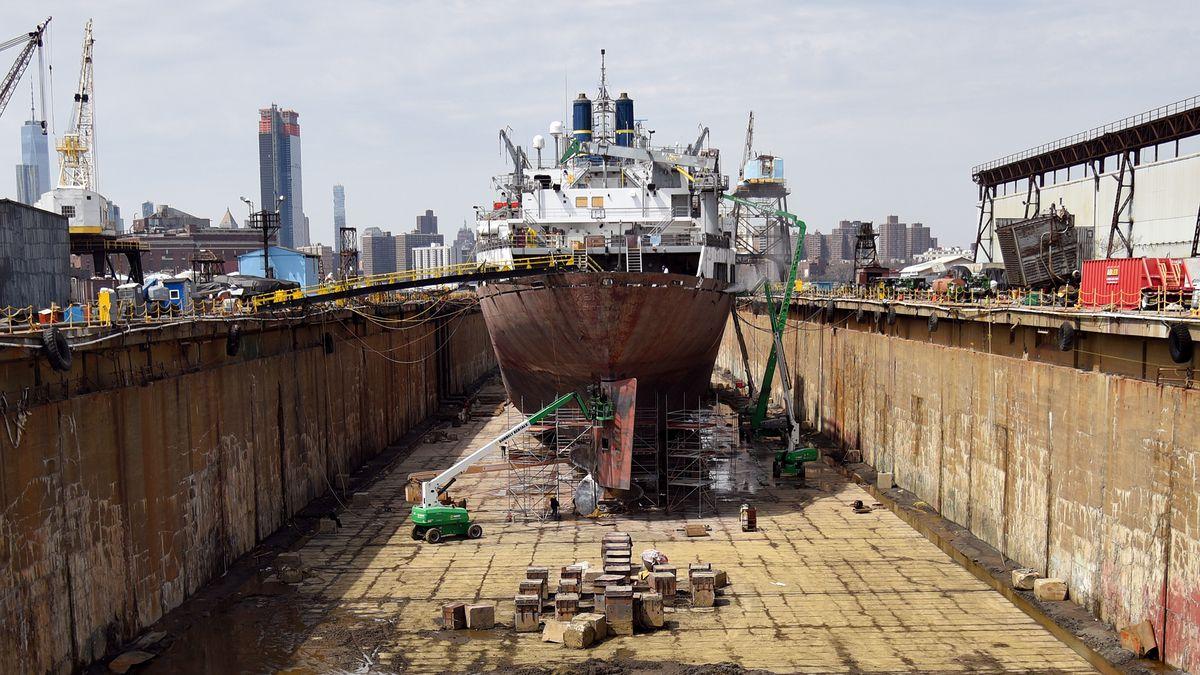 Exploring Brooklyn's last remaining dry docks - Curbed NY