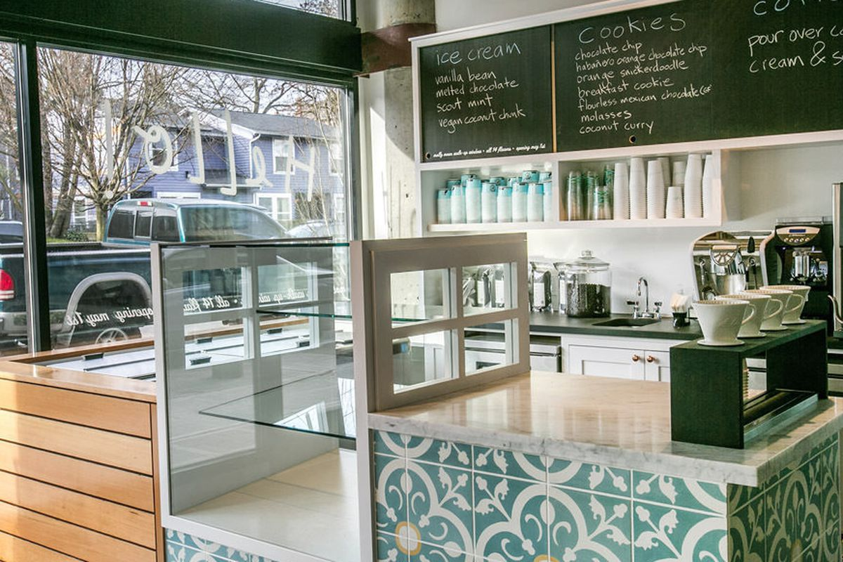 """<a href=""""http://seattle.eater.com/archives/2013/12/23/hello-robin-19th-mercers-cute-new-cookie-shop.php"""">Hello Robin, Seattle</a>"""