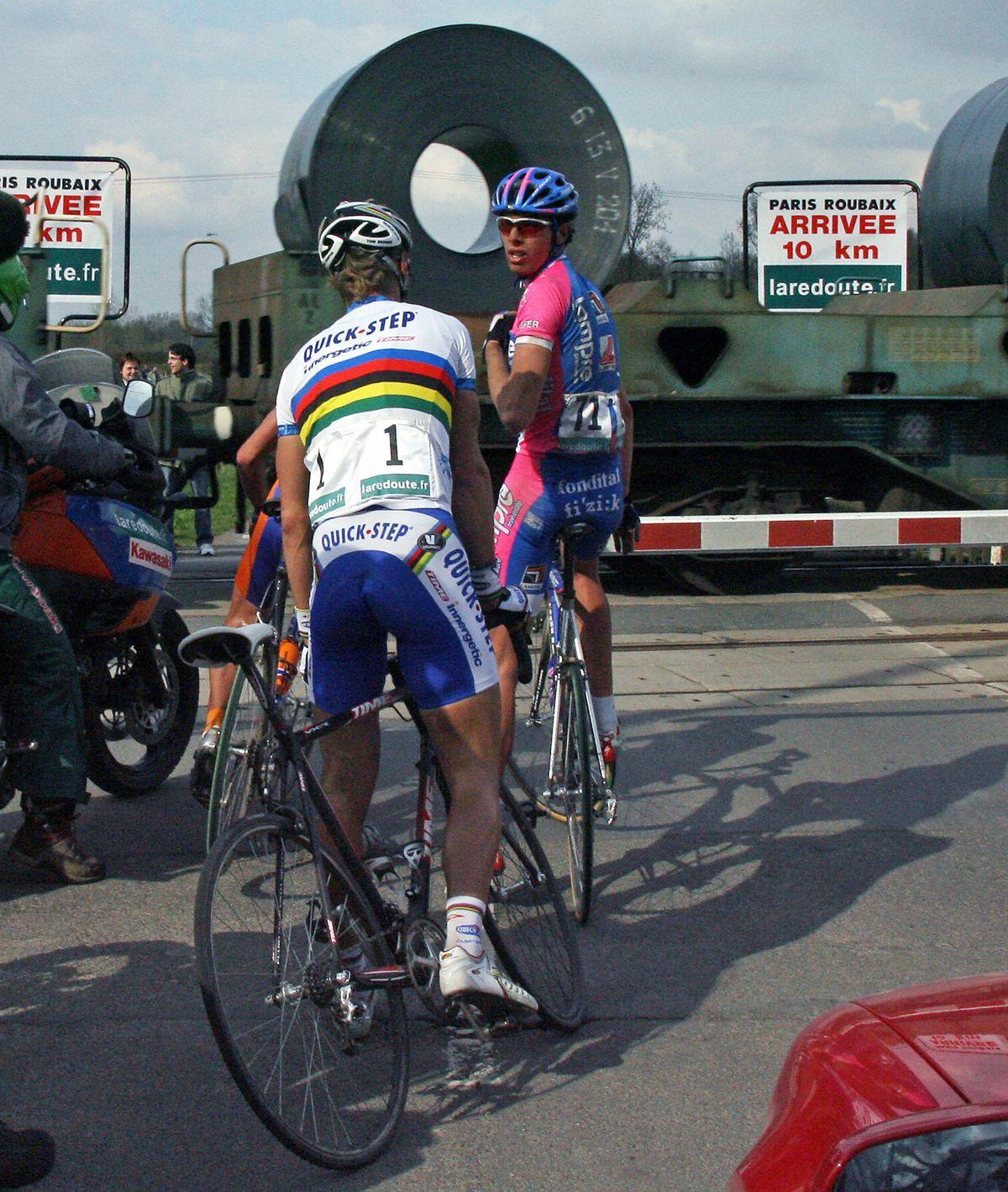 Paris-Roubaix Train stop 2006