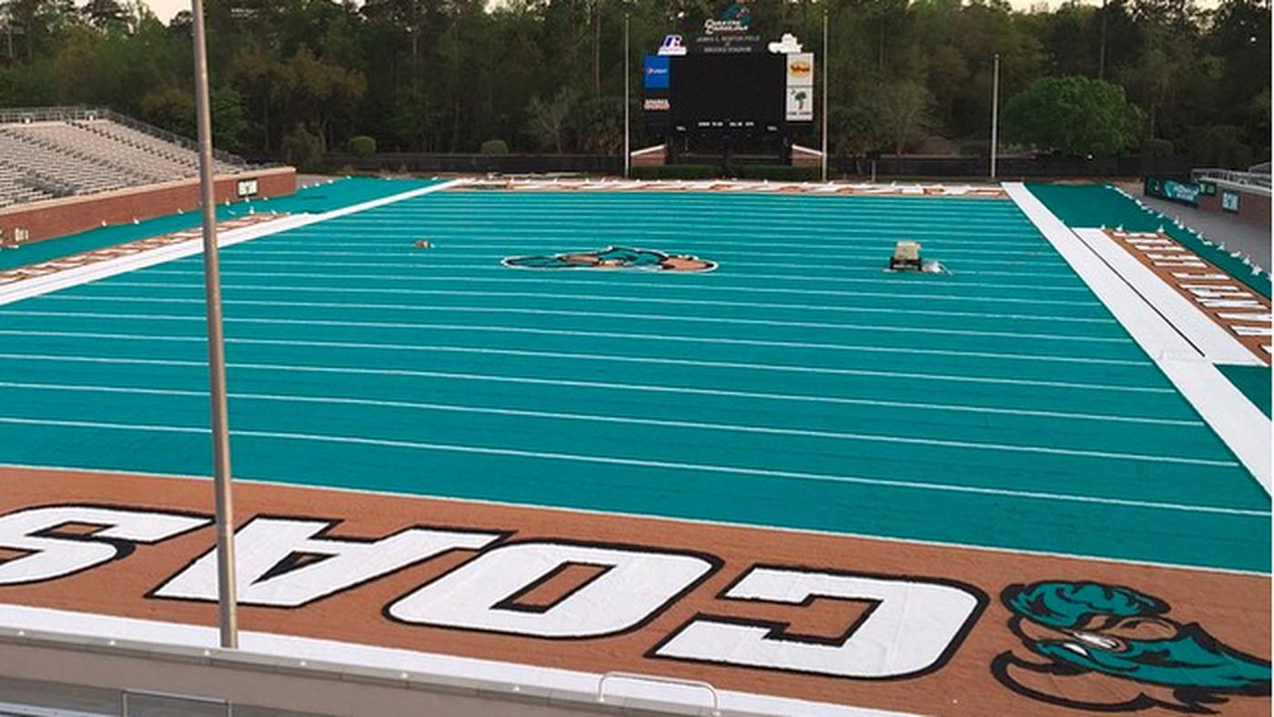 Coastal Carolina Installed A Teal Football Field Sbnation Com