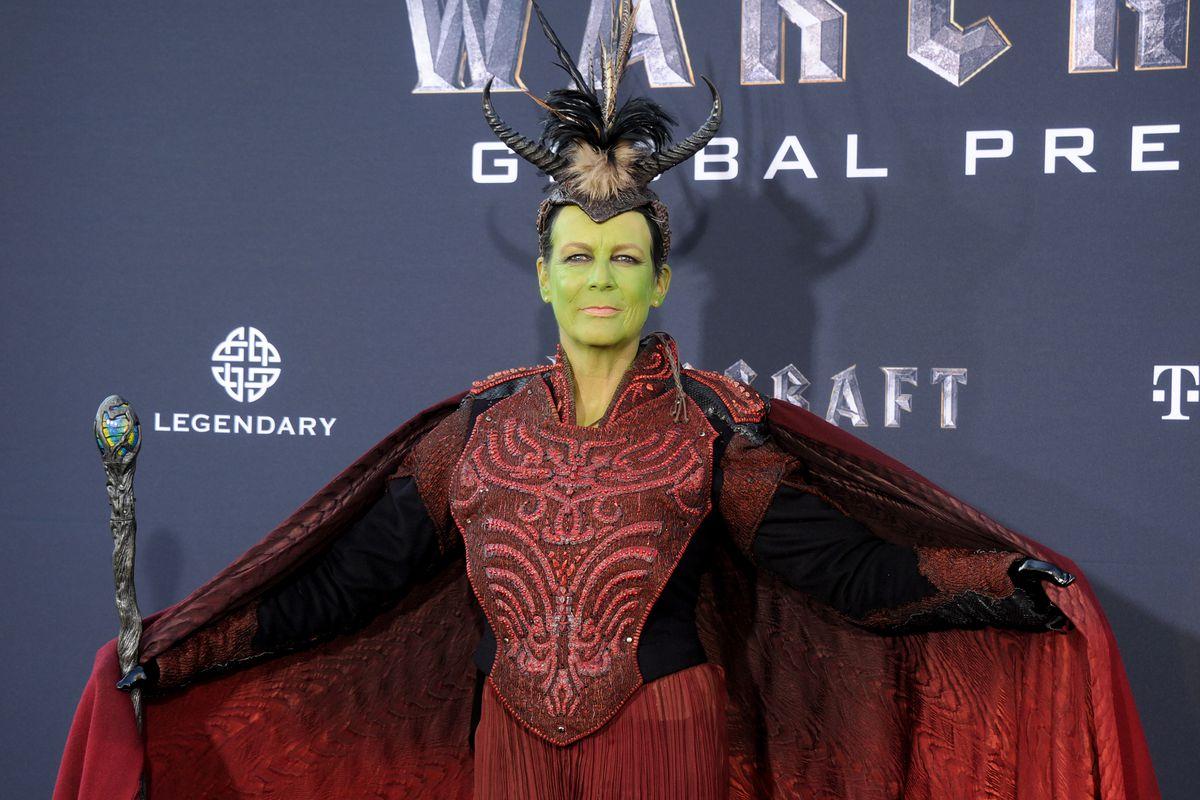 Jamie Lee Curtis Cosplays At Warcraft Premiere Yells