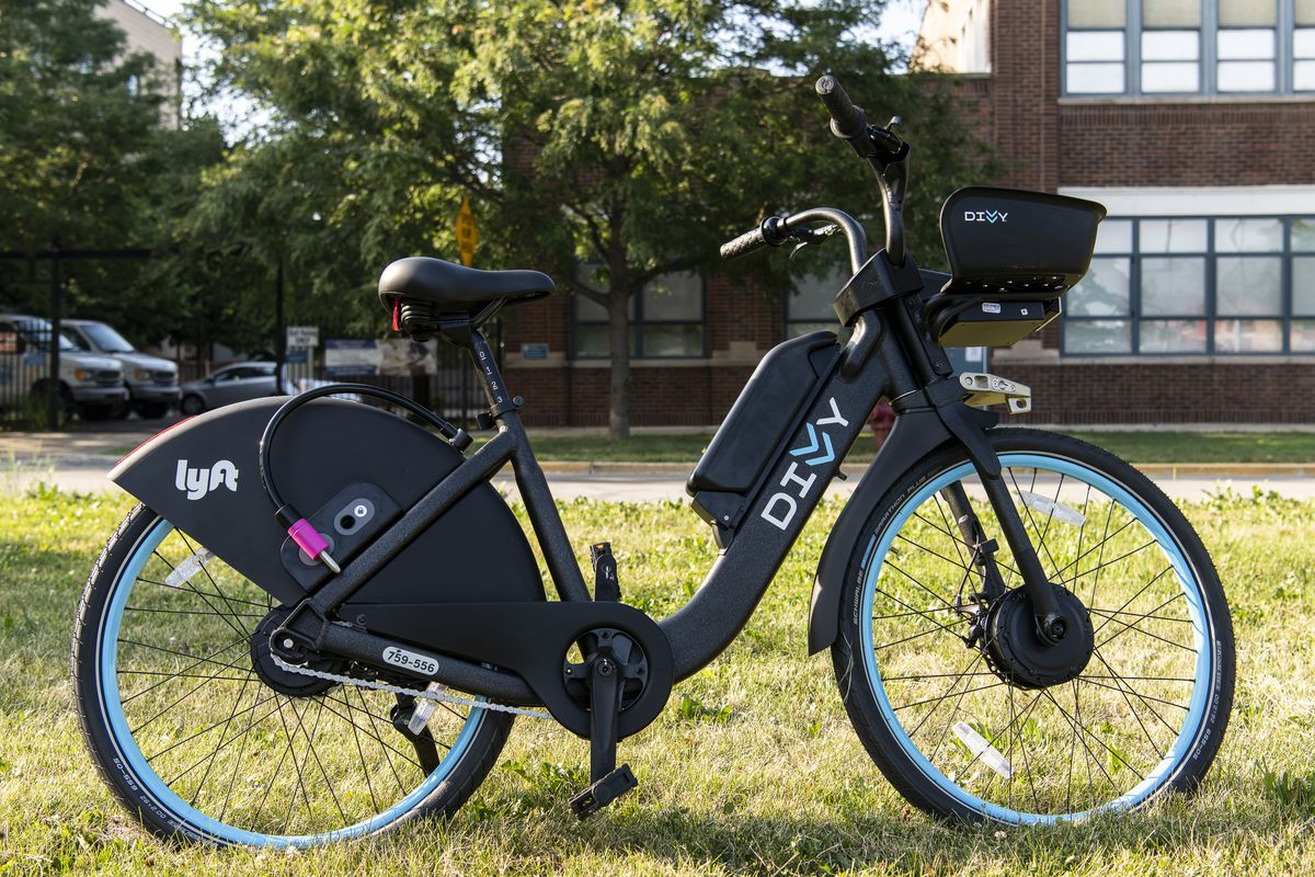 Divvy's new electric bike, 10,000 these bikes will be hitting Chicago's streets beginning this week. Tyler LaRiviere/Sun-Times