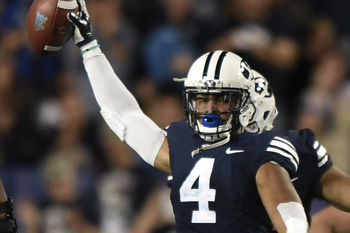 06ee1674f Report: Broncos will have a pre-draft visit with BYU linebacker Fred Warner