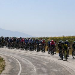 The peloton makes its way down the coastline during Stage 3 of the Tour of Utah on Antelope Island on Thursday, Aug. 15, 2019.