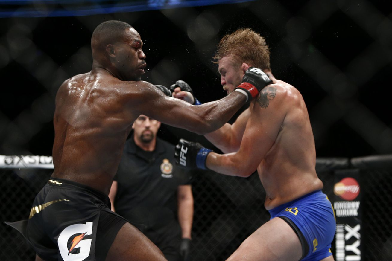 Jon Jones retained his title with a win over Alexander Gustafsson in the UFC 165 main event.