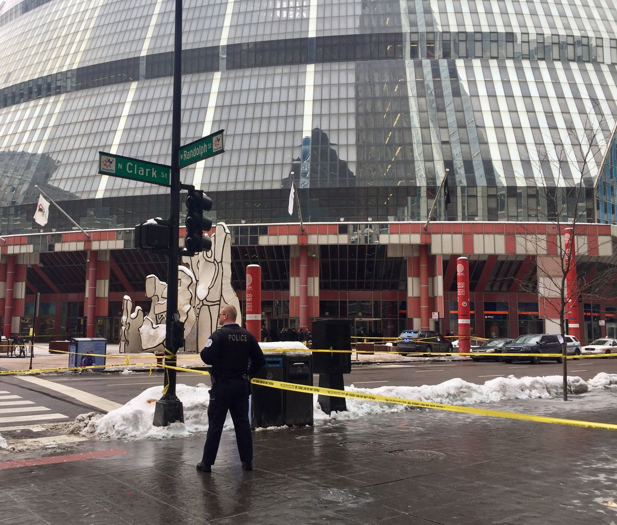 The Thompson Center after the fatal shooting of Cmdr. Paul Bauer. | Sam Charles/Sun-Times