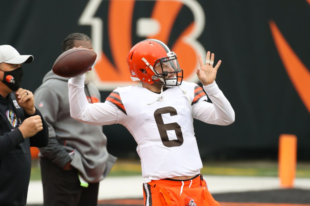 Cleveland Browns quarterback Baker Mayfield warms up before the game against the Cleveland Browns and the Cincinnati Bengals on October 25, 2020, at Paul Brown Stadium in Cincinnati, OH.