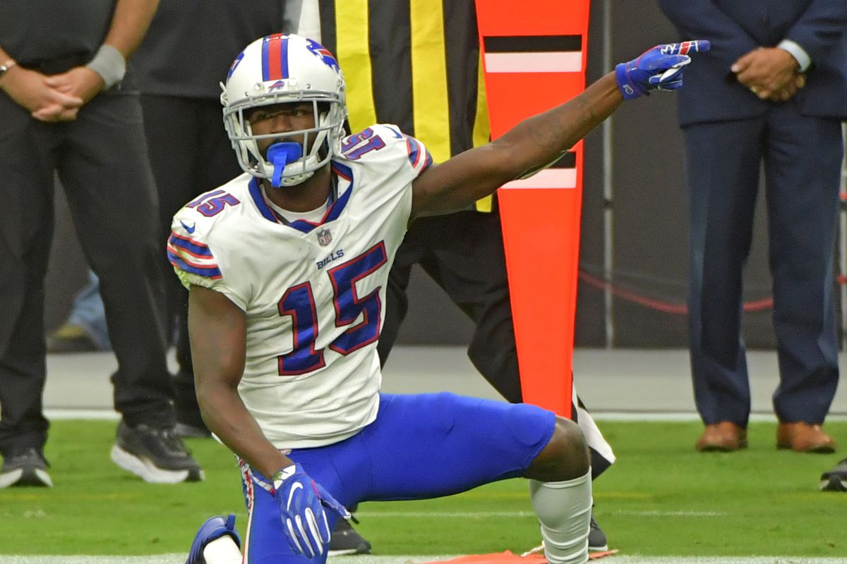 Buffalo Bills wide receiver John Brown (15) guestures after making a first down against the Las Vegas Raiders during the second quarter at Allegiant Stadium.