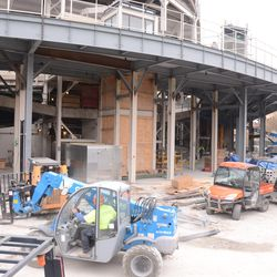 1:10 p.m. Crane leaving the work site at Waveland & Sheffield -