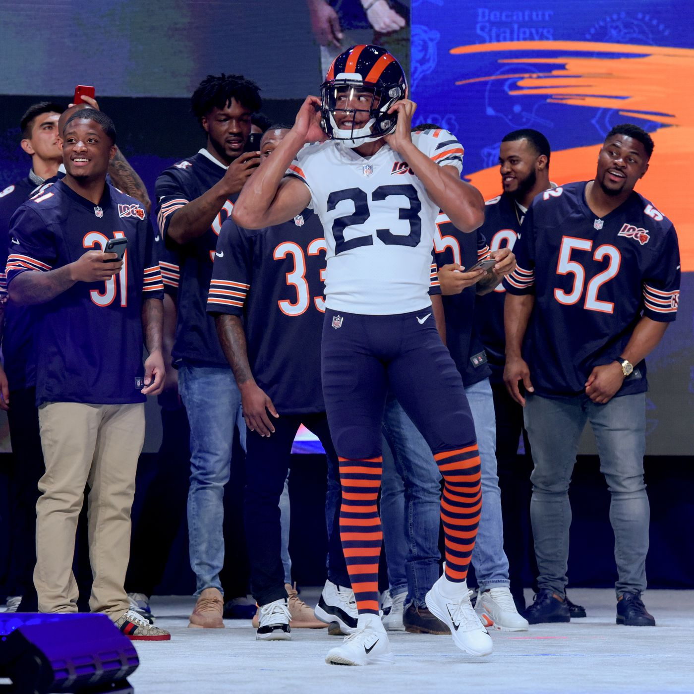 best service 6b386 d3ee6 Bears unveil new throwback uni: White jersey, striped socks ...