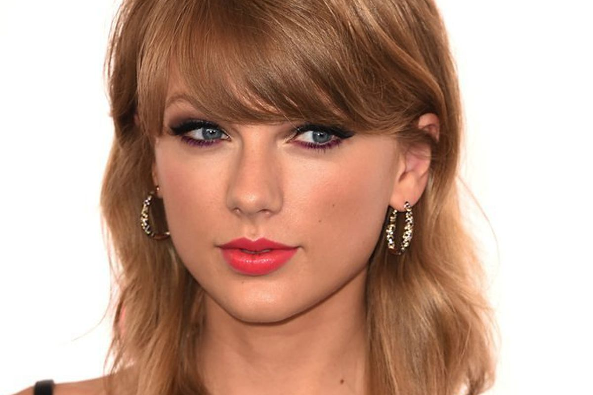 Taylor Swift S Bangs Finally Turn On Her Racked