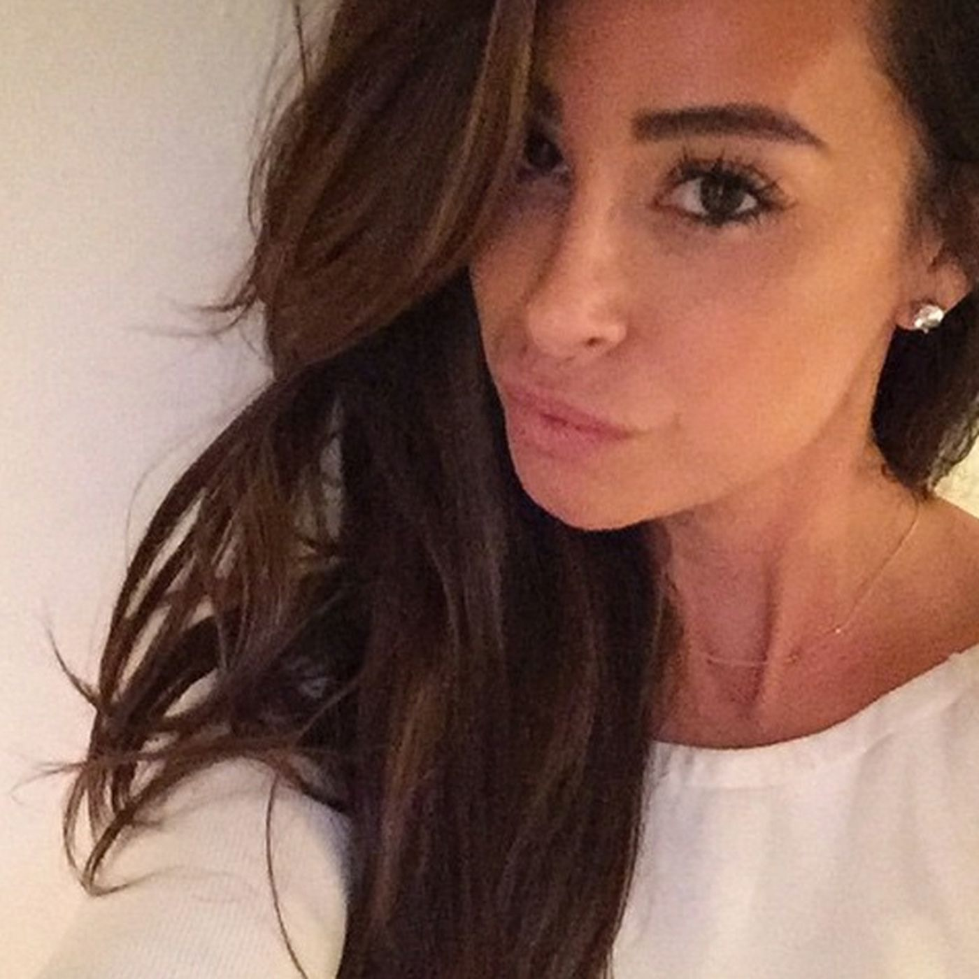 This Gorgeous Woman Is The Queen Of Celebrity Hair Extensions