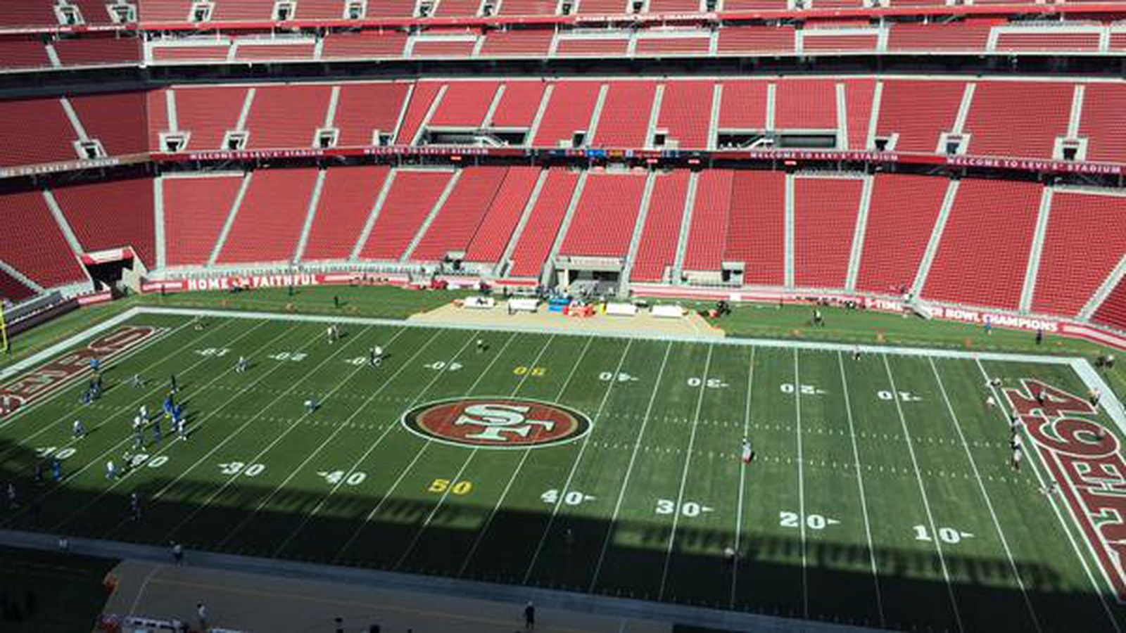 49ers Chargers Back To Assess The Levi S Stadium Field Condition Niners Nation