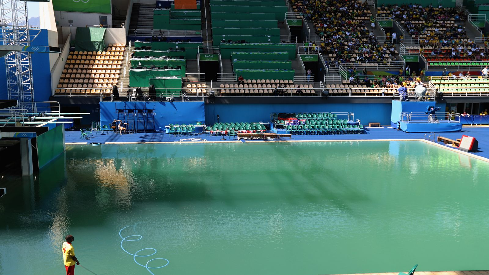 Rio Organizers Explain Why The Olympic Diving Pool Turned Green And It Makes Them Sound Pretty
