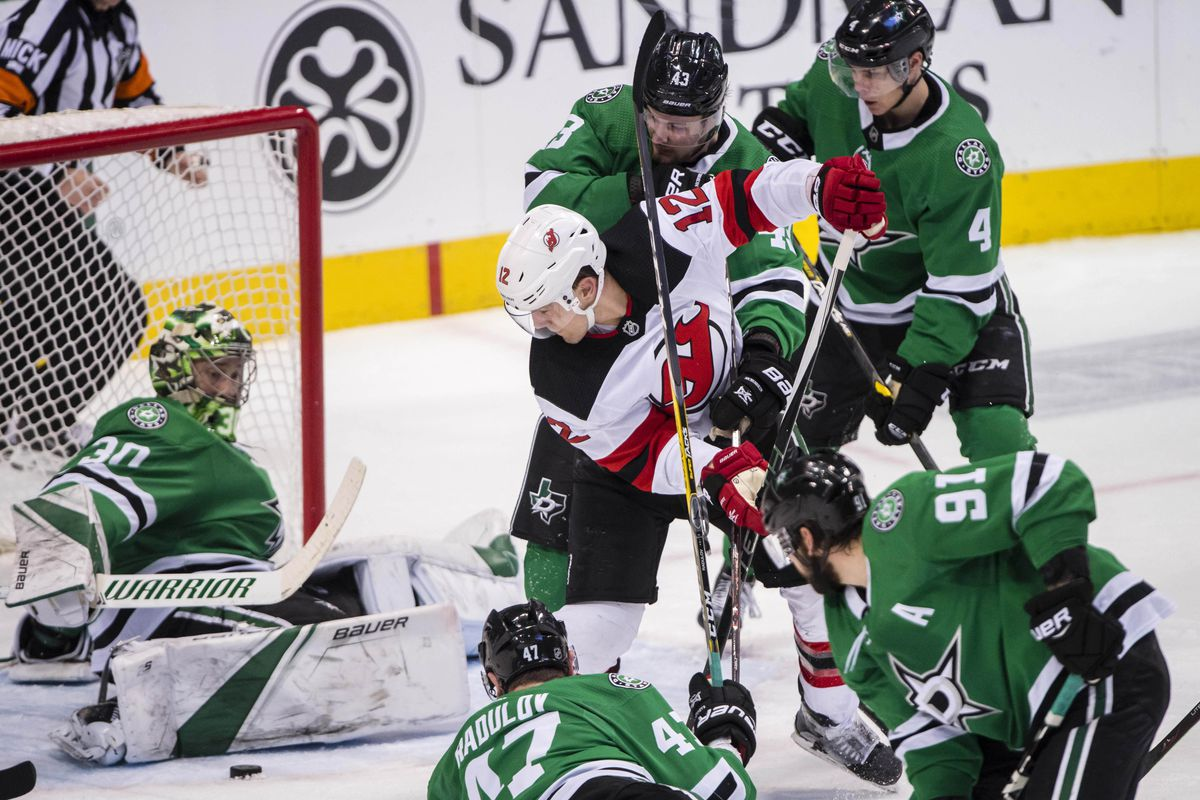 Stars Look for Consistency Against Devils
