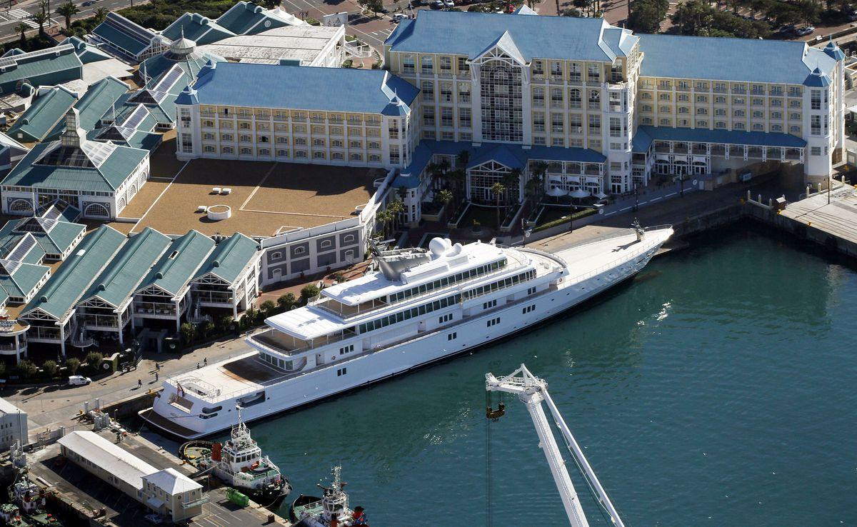 Ellison Yacht