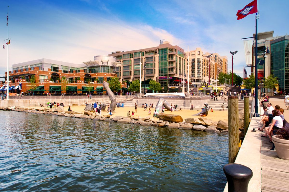 National Harbor To Get A Crab Cake Restaurant