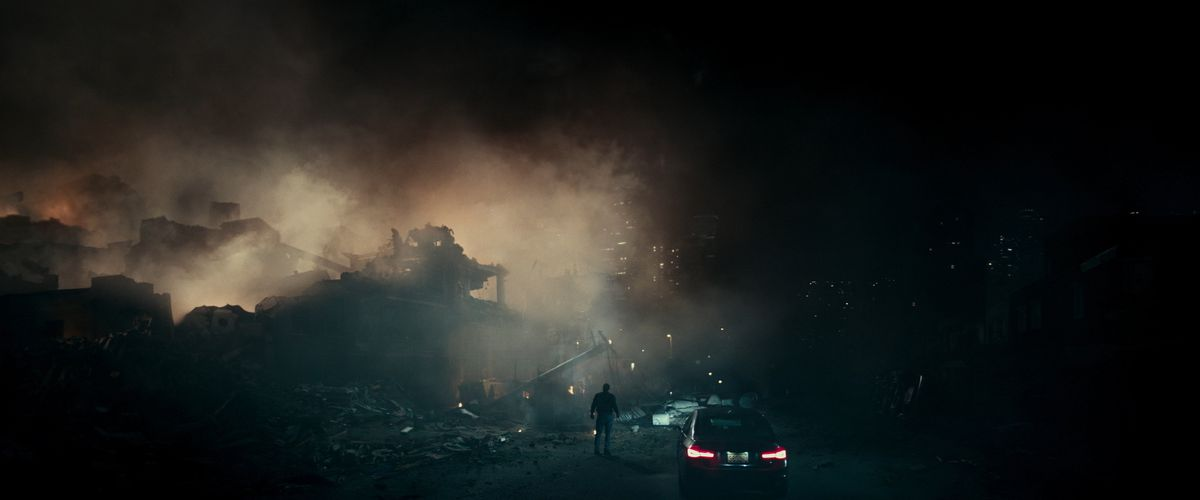The Cloverfield Paradox - destroyed city at night