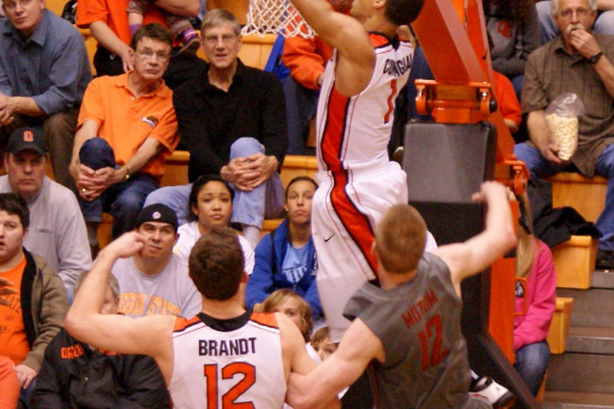 Jared Cunningham added to his highlight video collection, and had a game high 33 points for Oregon St., but didn't get enough help, and Washington St. won 83-73. <em>(Photo by Andy Wooldridge)</em>