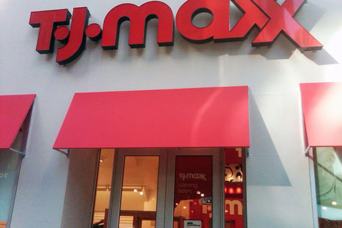 "Image via <a href=""http://guerillashopper.blogspot.com/2010/11/tj-maxx-57th-st-photo.html?utm_source=feedburner&amp;utm_medium=feed&amp;utm_campaign=Feed%3A+GuerillaShopperNyc+%28Guerilla+Shopper+NYC%29&amp;utm_content=Google+Reader"">Guerilla Shoppe"