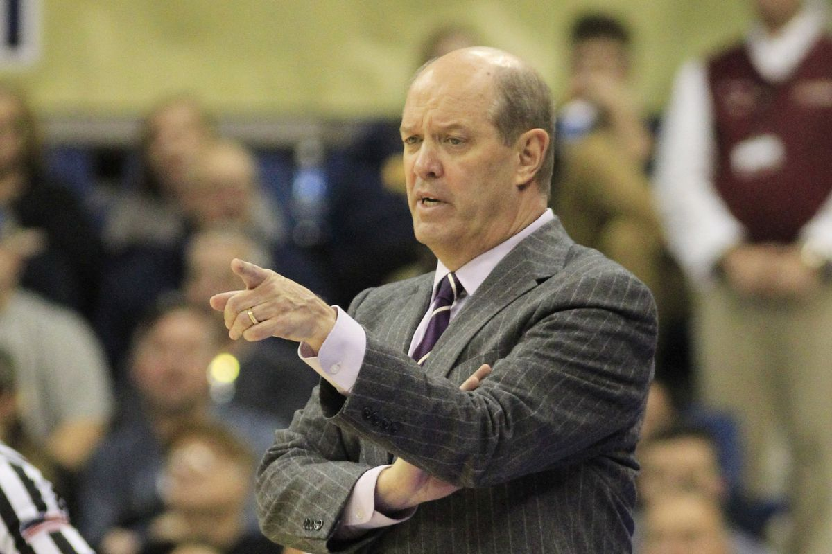 Pitt coach Kevin Stallings mocks Louisville scandal, fires back at heckling fan