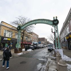 The Lincoln Square neighborhood.| Tyler LaRiviere/Sun-Times