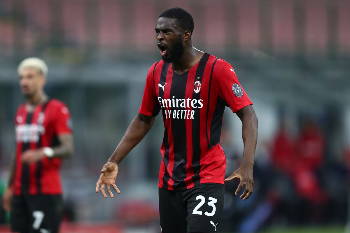 Fikayo Tomori of Ac Milan gestures during the Serie A match...