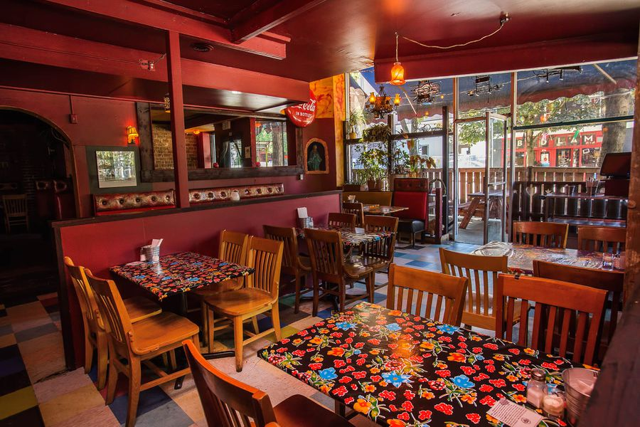 Spot the changes at mama 39 s mexican kitchen reopening for Mama s italian kitchen