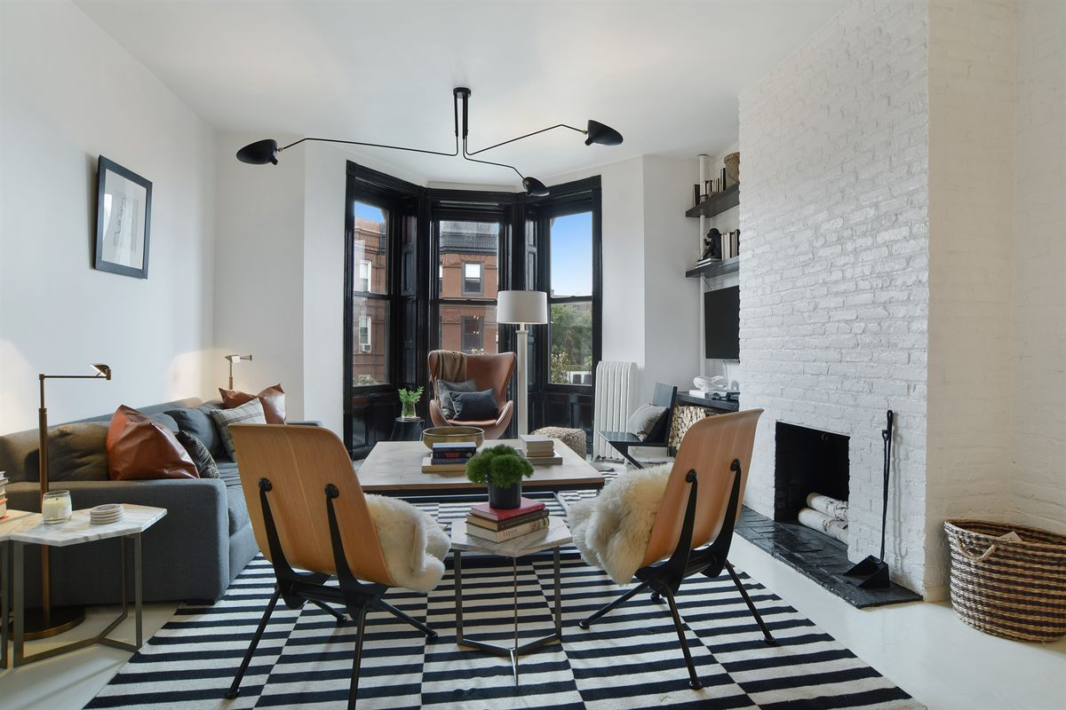 For 995k A Sleek Park Slope Two Bedroom With Design Cred