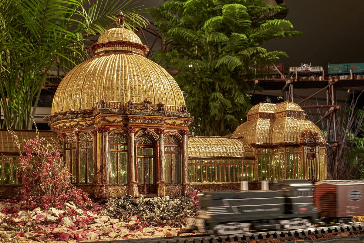 See a miniature Empire State Building at this year\'s NY Botanical ...