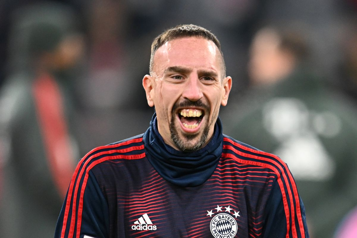 19 December 2018, Bavaria, München: Soccer: Bundesliga, Bayern Munich - RB Leipzig, 16th matchday in the Allianz Arena. Franck Ribery from Bavaria laughs before the game.