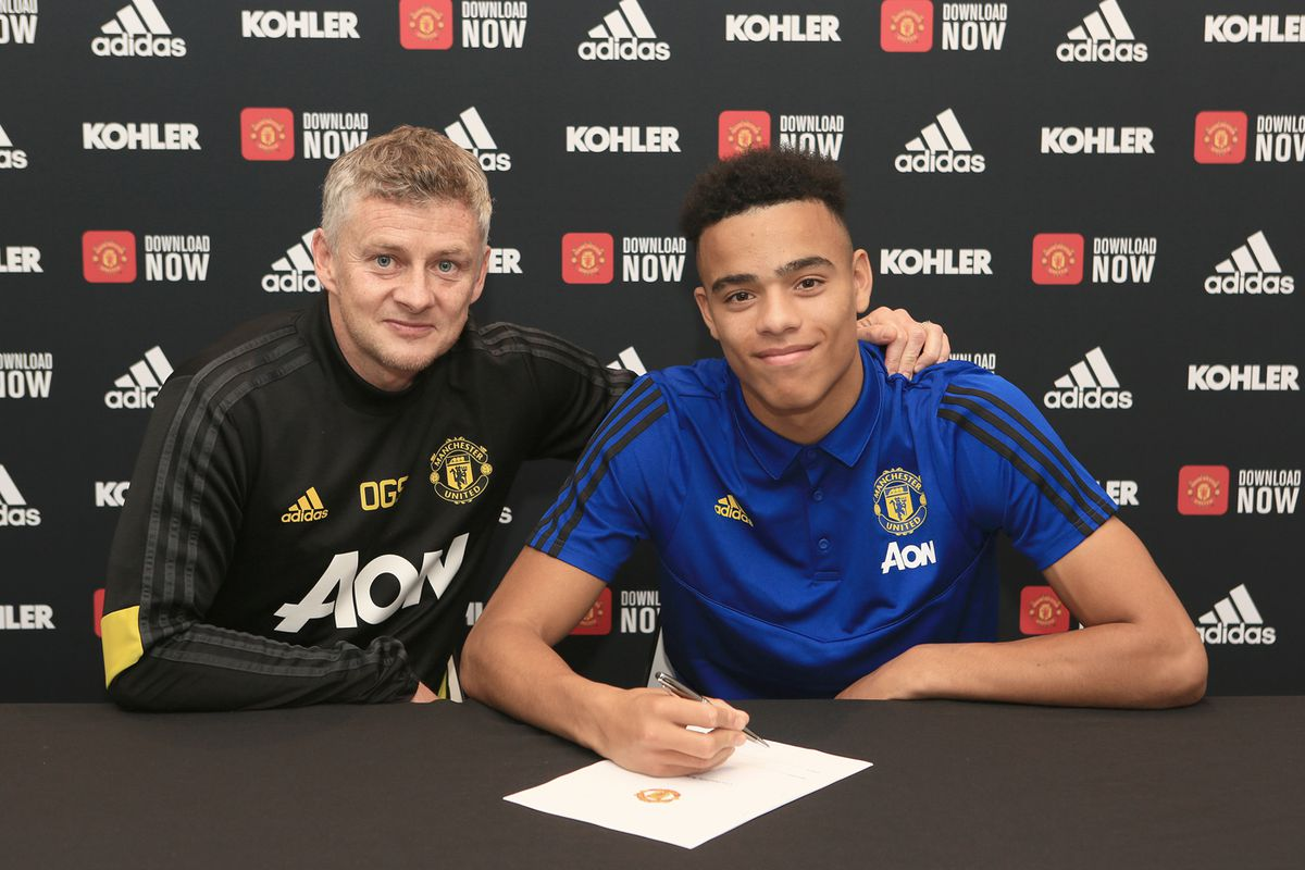 Mason Greenwood Signs a New Contract at Manchester United