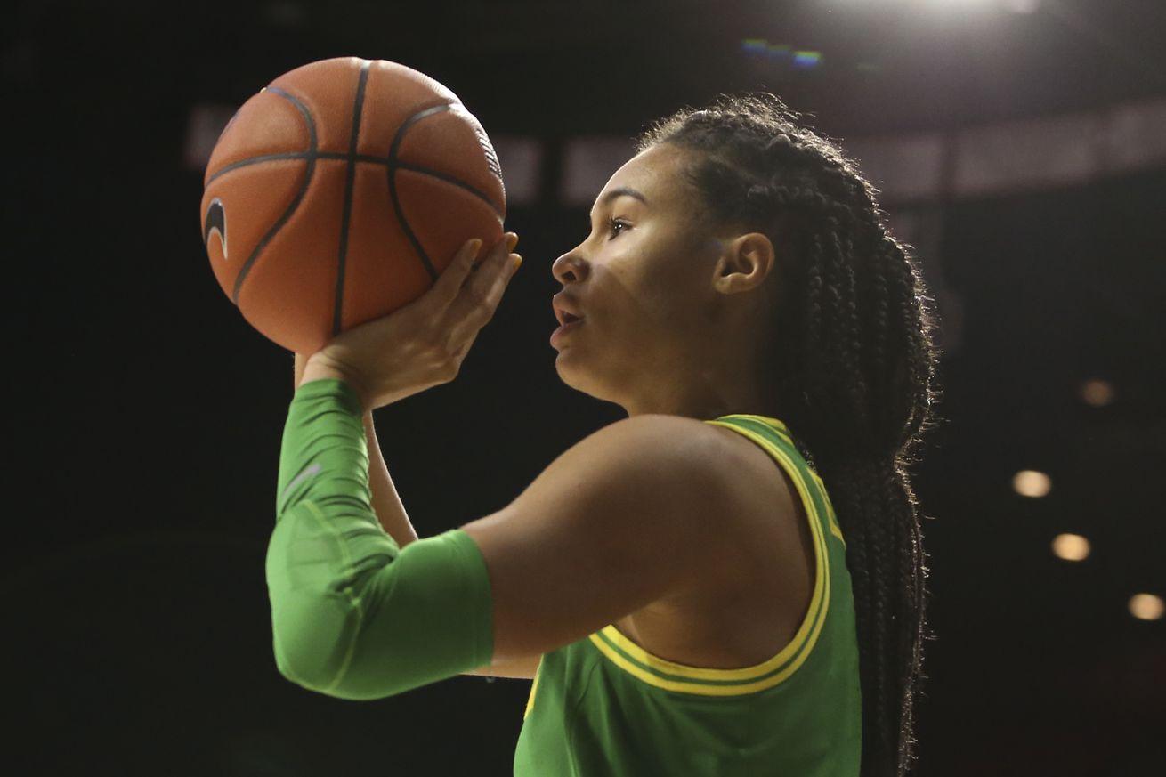 COLLEGE BASKETBALL: JAN 12 Women's Oregon at Arizona