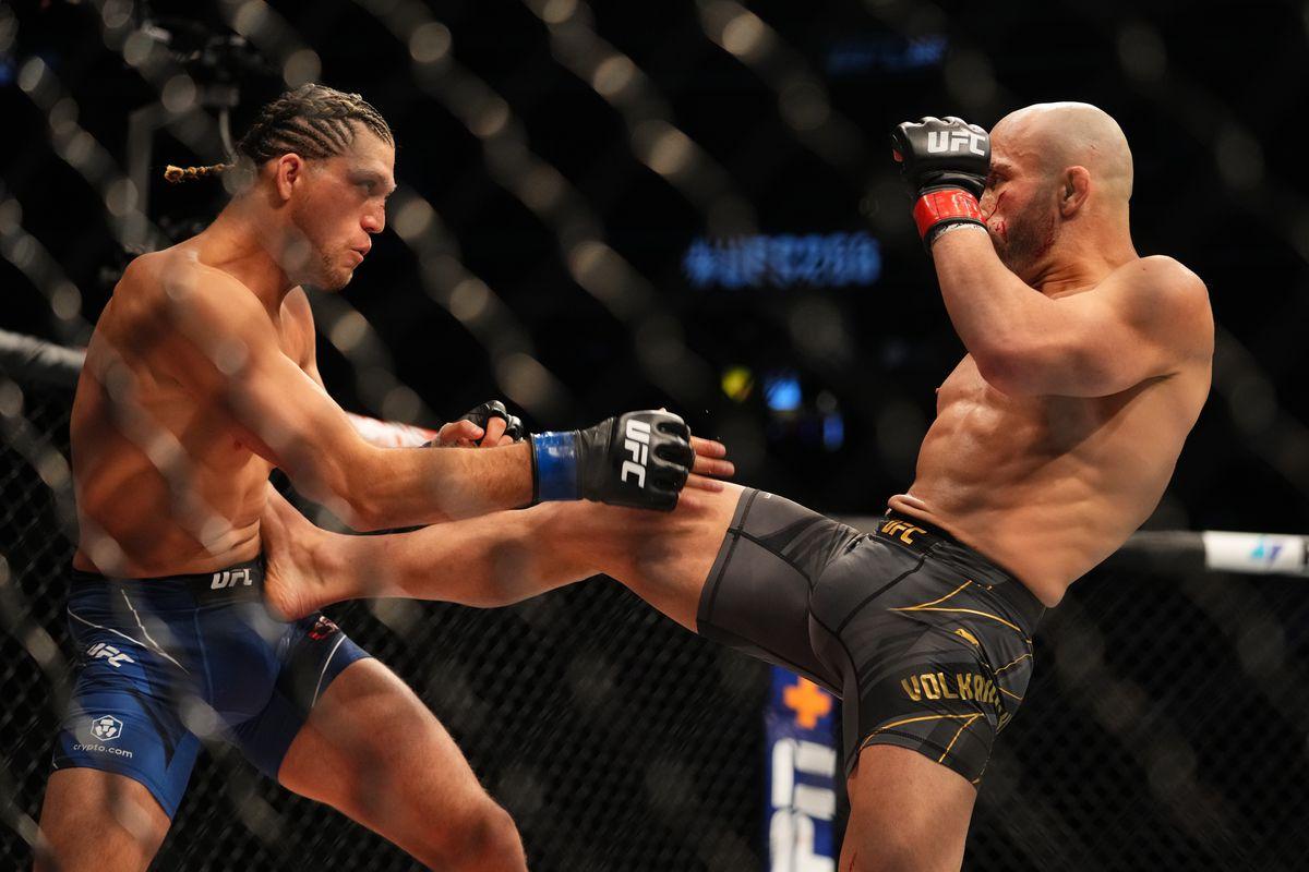 UFC 266 bonuses: Alexander Volkanovski vs. Brian Ortega easy choice for 'Fight of the Night' - MMA Fighting
