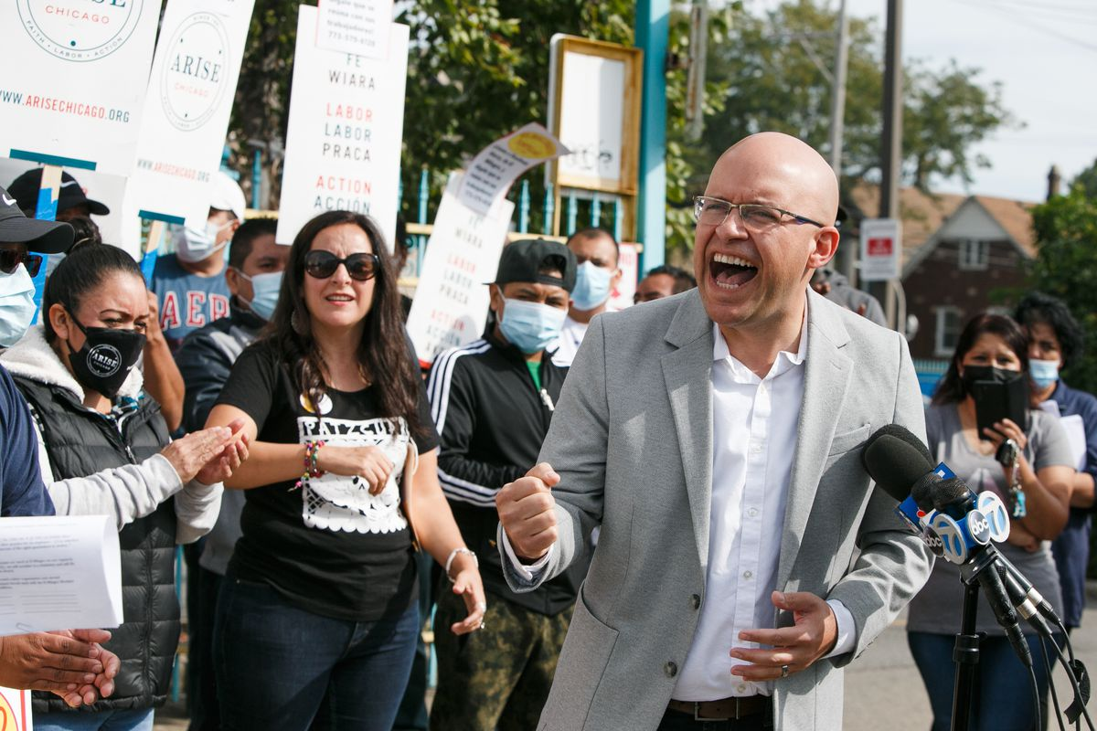 """Ald. Mike Rodríguez said the El Milagro workers were advocating for """"basic human rights,"""" and called on the public to support them. He rallied with the workers on Friday morning, Sept. 24, 2021."""