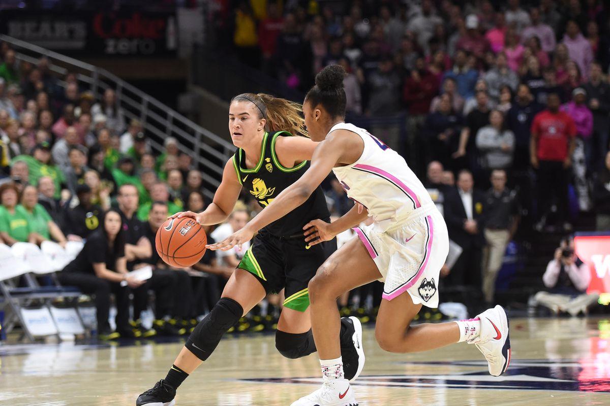 COLLEGE BASKETBALL: FEB 03 Women's Oregon at UConn