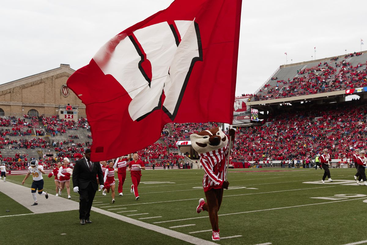 NCAA Football: Kent State at Wisconsin