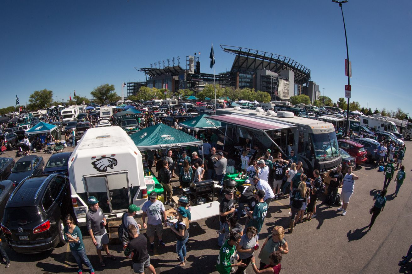 dbdfa2f9a6c Ultimate guide to attending a Philadelphia Eagles game - Bleeding ...
