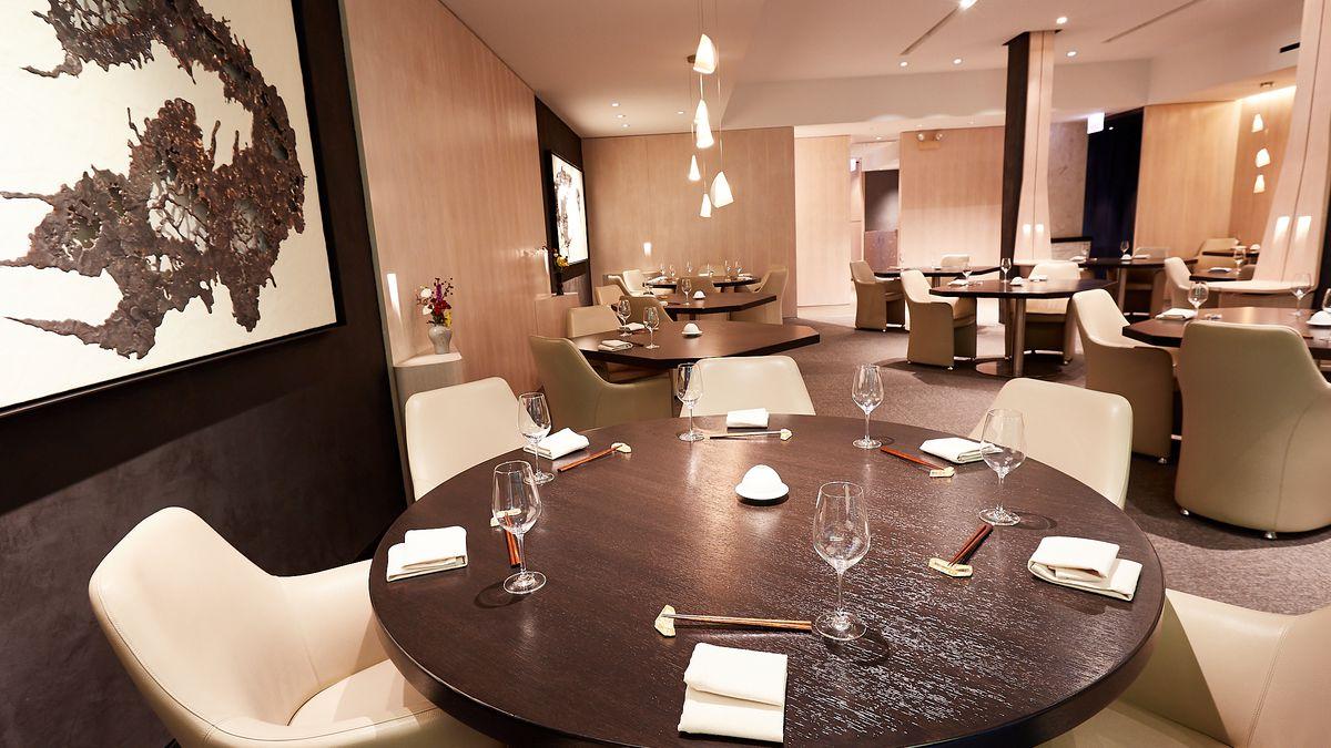 Inside Yugen Where Grace S 1k Chairs And Japanese Artwork