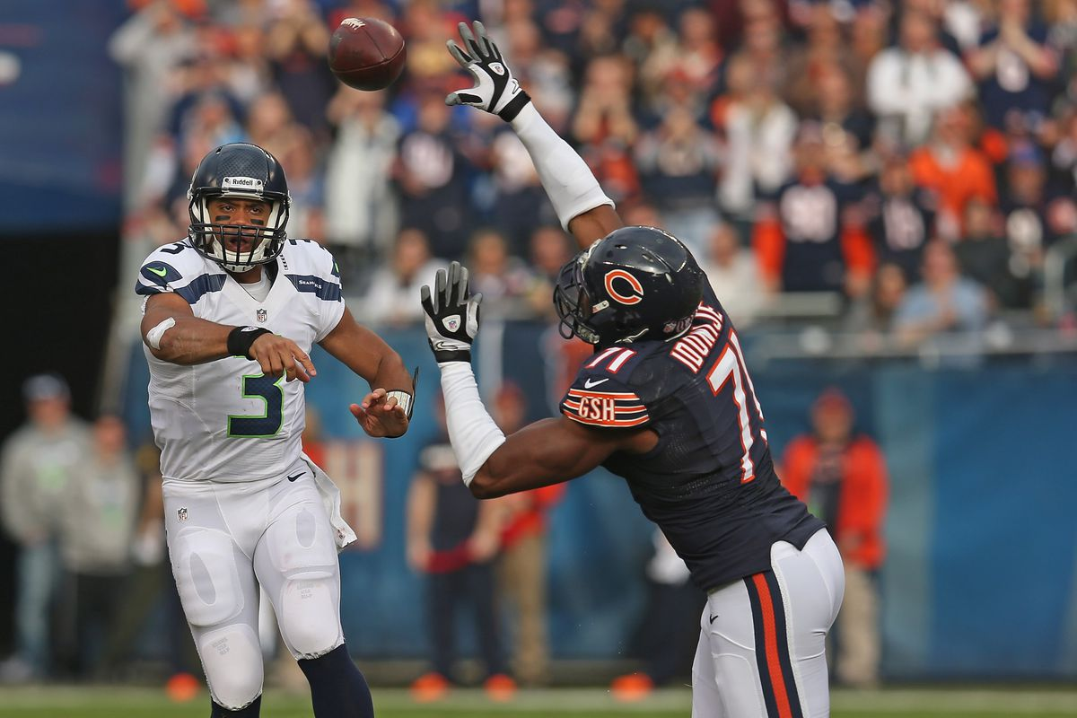 0e9079ee Seahawks vs. Bears: Russell Wilson drives Seattle to the lead, but defense  fails to account for Brandon Marshall
