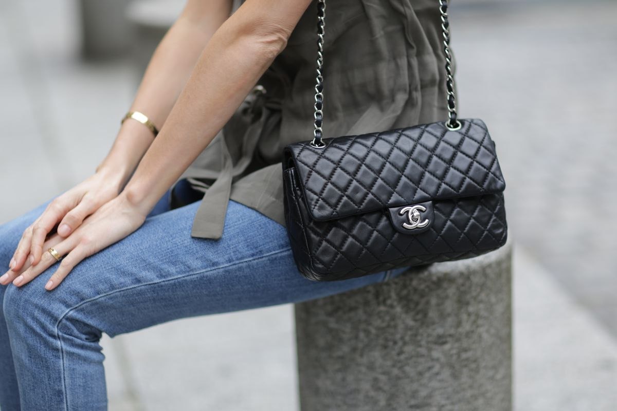 Photo Edward Berthelot Getty Images Chanel Purse Re Site