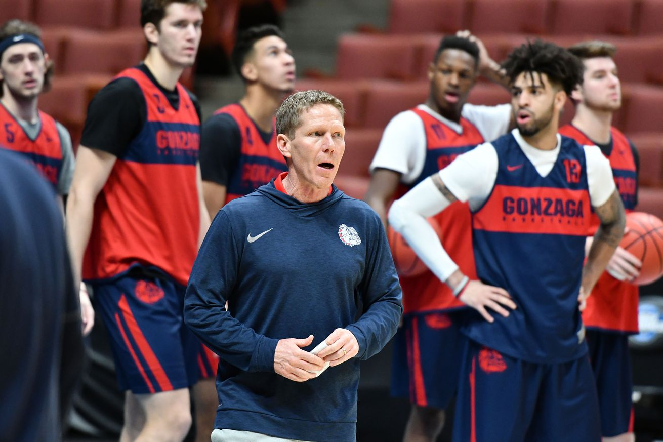 Gonzaga head coach Mark Few and point guard Josh Perkins (left) are in the Sweet Sixteen for the fifth straight season.