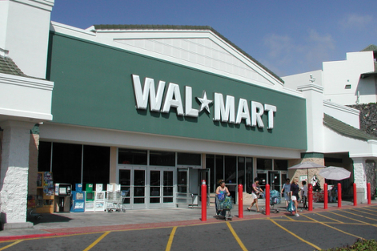 """Walmart image via <a href=""""http://www.learnvest.com/living-frugally/current-events/can-the-women-prevail-in-the-wal-mart-discrimination-lawsuit-281/"""">Learnvest</a>"""