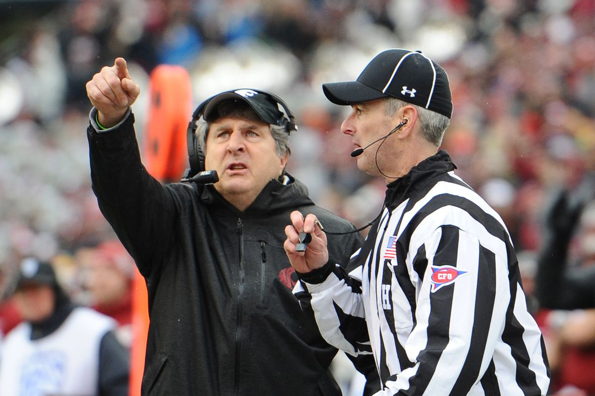 Mike Leach reportedly emerging as a candidate for Tennessee job