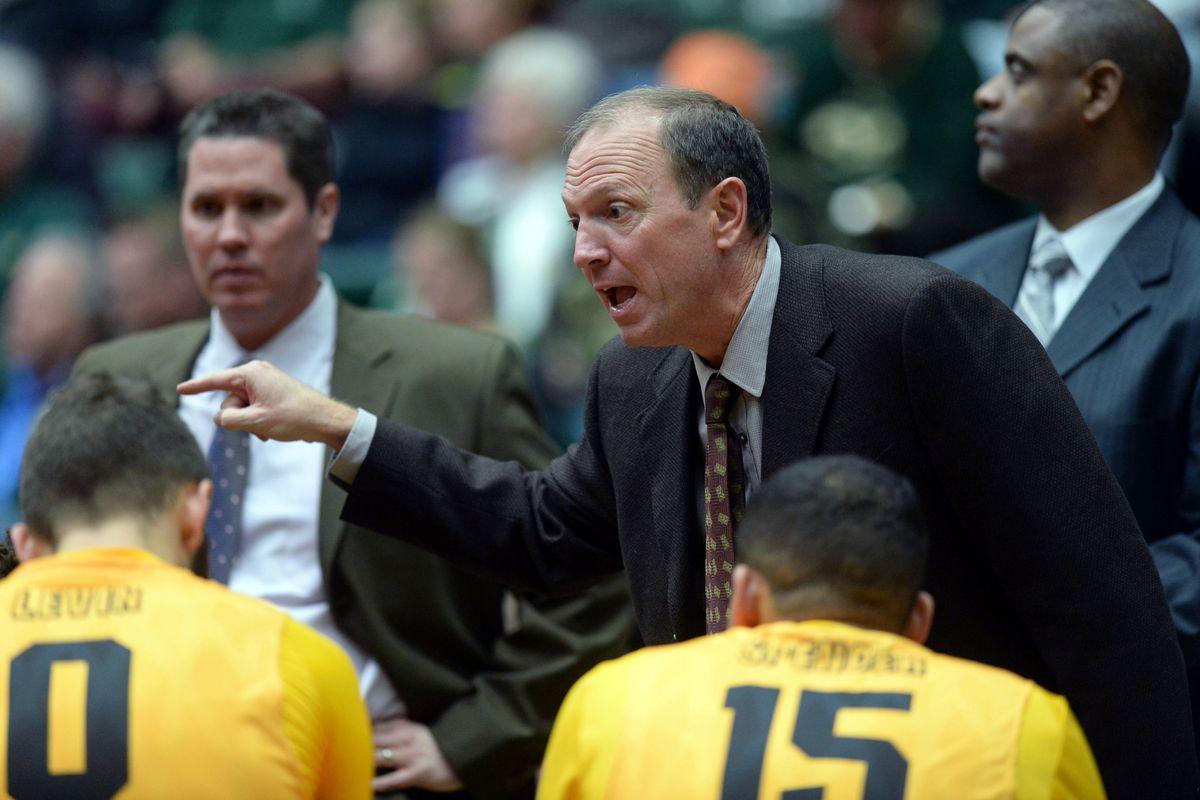 Ncaa Basketball Coaching Salaries The Mid Major Contract