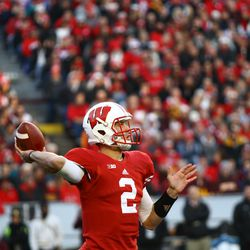Quarterback Joel Stave throws a pass in the 1st half