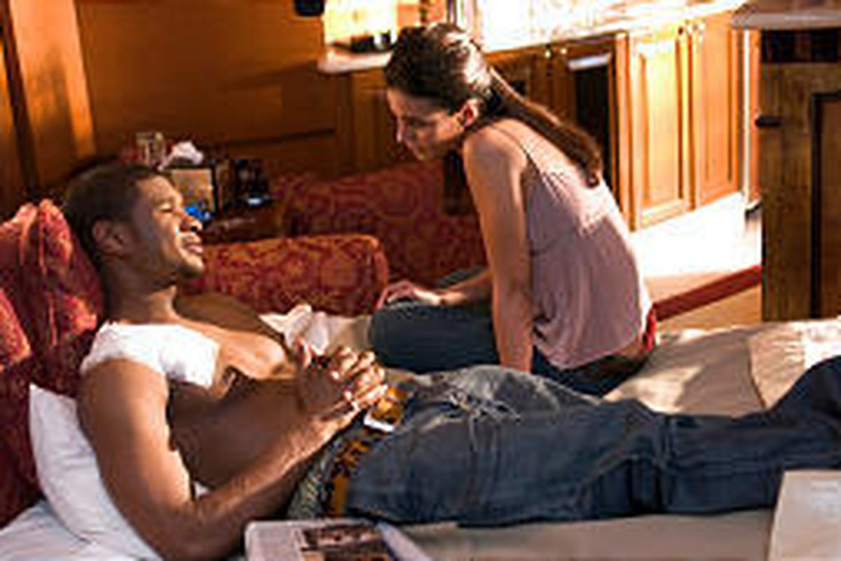 """Darrell (Usher) and Dolly (Emmanuelle Chriqui) in """"In the Mix."""""""