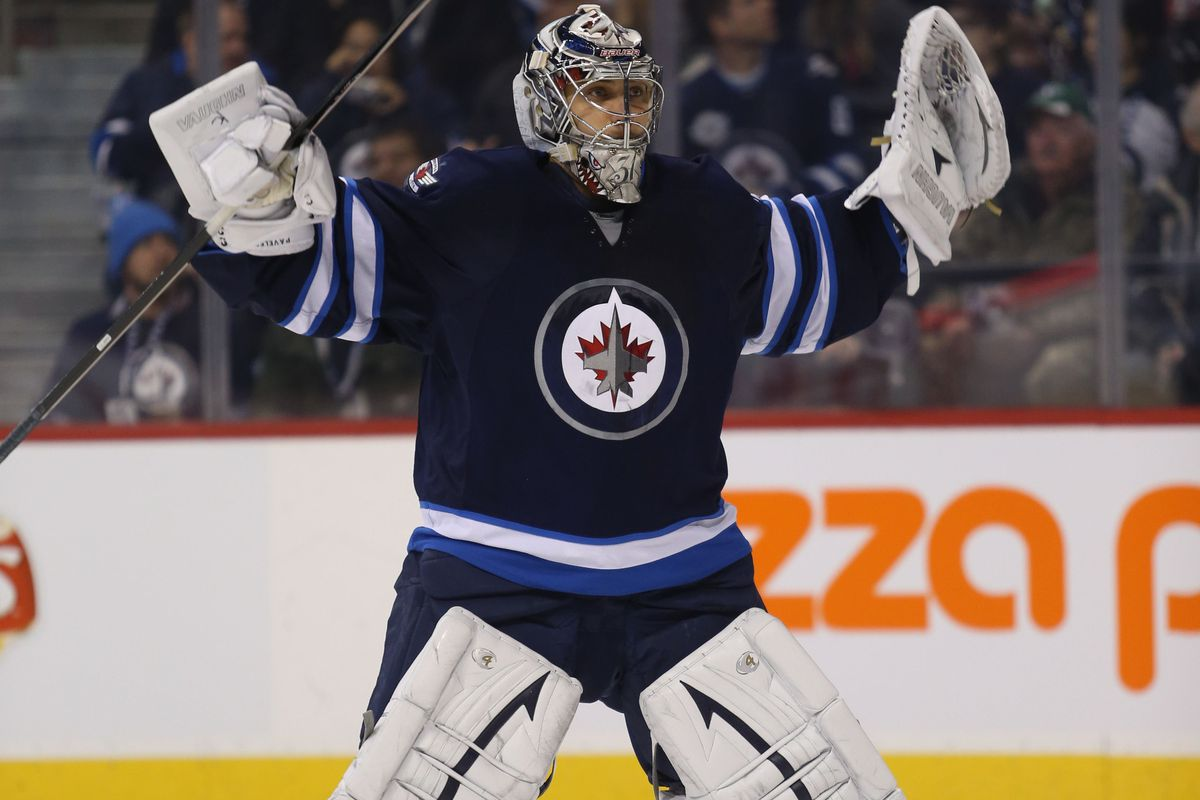 Approximately what Ondrej Pavelec was doing when he allowed the goal to Alexander Steen.