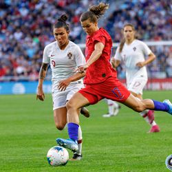 September 3, 2019 - Saint Paul, Minnesota, United States - USA forward Tobin Heath (17) crosses the ball during the USA World Cup Victory Tour match against Portugal at Allianz Field.